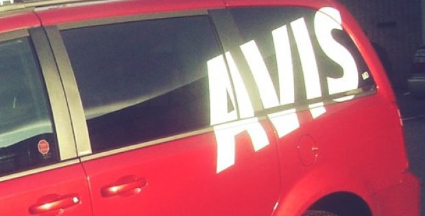 avis ties ride sharing service lyft
