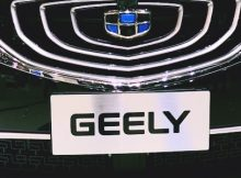 geely daimler roll ride hailing service