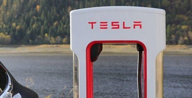 Tesla & Panasonic to rethink capacity expansion plans of Gigafactory 1